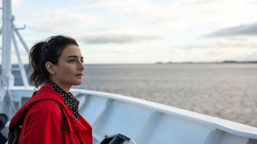 Jenny Slate Is On An Artist's Journey In 'The SunlitNight'